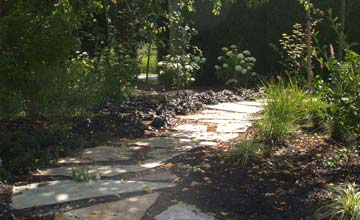 Custom walkways flagstone stone walkway landscaping for Landscaping rocks vancouver